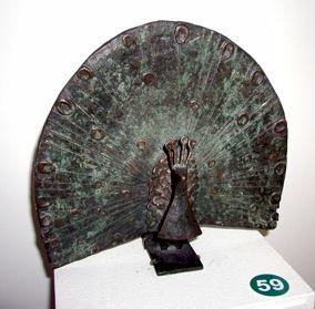 Balzender Pfau - Kunstwerk des Monats Februar 2004